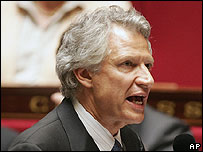 French Prime Minister Dominique de Villepin addressing parliament, 2 May 06