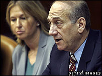 Israeli PM-designate Ehud Olmert (R) and Foreign Minister Tzipi Livni