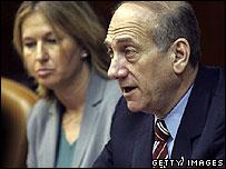 Israeli PM-designate Ehud Olmert (R) and Foreign Minister Tzipi Livni