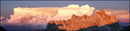 Las nubes cubren el Aconcagua
