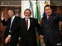 Nestor Kirchner, Luiz Inacio Lula da Silva y Hugo Chávez (foto archivo)