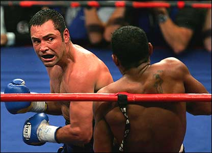 Oscar de la Hoya and Ricardo Mayorga