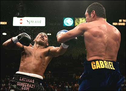 Ricardo Mayorga and Oscar De la Hoya