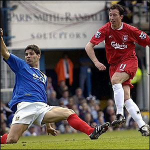 Robbie Fowler puts Liverpool in front