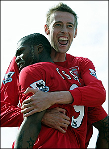 Liverpool goalscorers Peter Crouch and Djibril Cisse