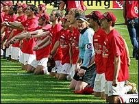Los jugadores del Bayern celebran el t�tulo de la Bundesliga.