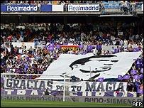Los aficionados del Real Madrid se rindieron a la magia de Zidane.