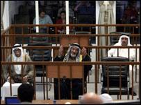 محمد عزاوي+عبد الرزاق الرويد+ مزهر الرويد من المتهمين مع صدام حسين