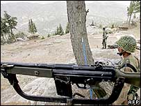 Pakistani soldier deployed on the Afghan border