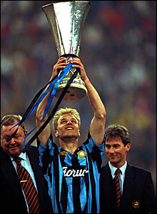 Dennis Bergkamp wins the 1994 Uefa Cup with Inter Milan