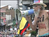 Ecuadorean man demands the expulsion of US oil company Occidental