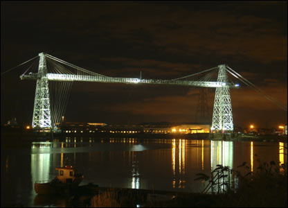 The Newport Transporter Bridge all lit up (David Evans, Bassaleg)