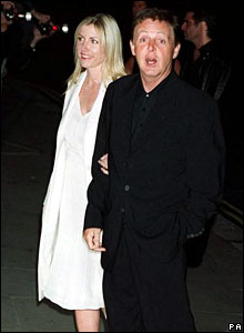 Heather Mills and Sir Paul McCartney attend an awards ceremony in 2000