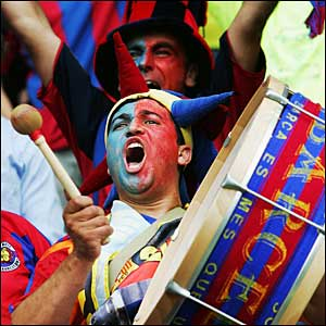 Barcelona fans in full voice
