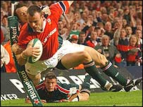 Munster wing John O'Neill is denied a try in the 2002 Heineken Cup final