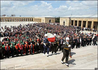 Military honour guard takes a wreath to the Ataturk mausoleum