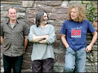 Robbie Blunt, Jez Woodruffe and Robert Plant (photo courtesy Andrew Pritchard)
