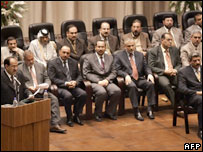Iraqi Cabinet with Mr Maliki (L)