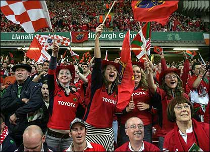 Munster fans generate a wonderful atmosphere