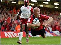 Munster scrum-half Peter Stringer