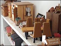 Maquetas de casas como ofrendas a la Difunta Correa