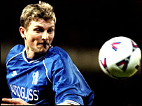 Tore Andre Flo in action for Chelsea in 2000
