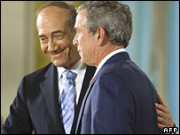 Mr Olmert and Mr Bush at the news conference