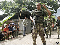 East Timorese soldier in Dili - 23/5/06
