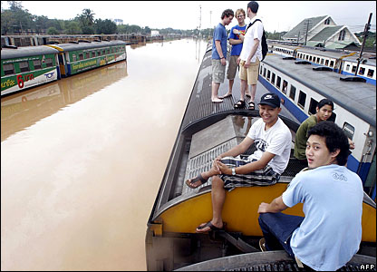 Tourists delayed by flooding