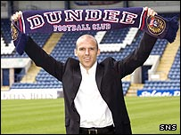 New Dundee manager Alex Rae