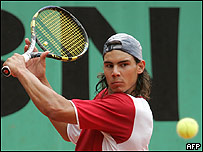 Rafael Nadal en entrenamiento antes de Roland  Garros