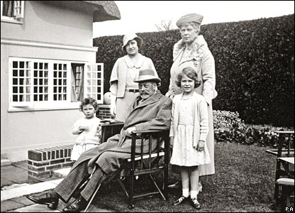 Princess Elizabeth (front right) with her grandparents, King George V and Queen Mary, her mother Queen Elizabeth and sister Princess  Margaret.