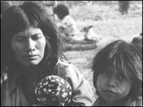 Indígenas wichíes (Imágenes gentileza Survival.org)