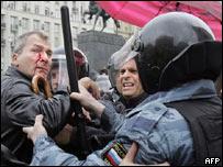 Policía rusa arresta a Volker Beck parlamentario y abogado alemán