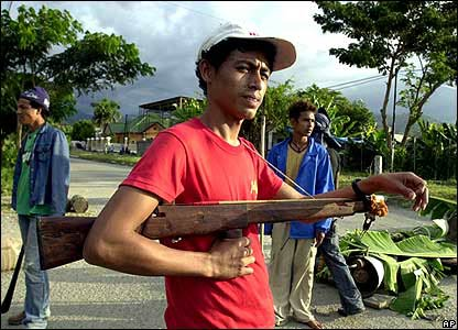 Man with homemade gun in Dili