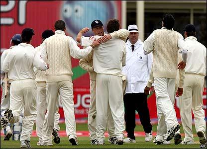 England celebrate Liam Plunkett's dismissal of Michael Vandort for 105