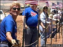 Minutemen begin work on border fence