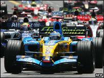 Fernando Alonso lidera el Gran Premio de Mónaco