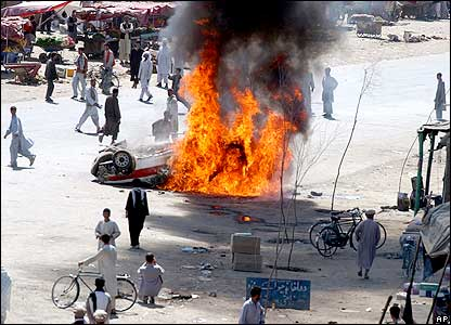 Police car on fire in Kabul