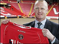 Charlton manager Iain Dowie