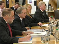 Fingerprint experts giving evidence before the Justice 1 Committee