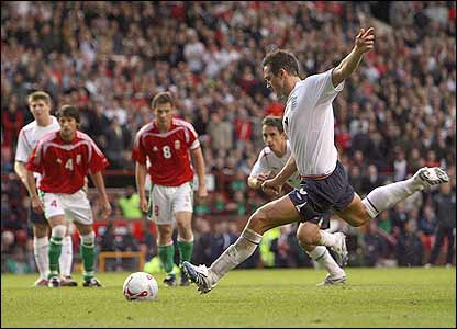 Frank Lampard strikes England's penalty