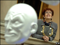 Glasgow Lord Provost Liz Cameron looks at work entitled Expression by artist Sophie Cave at the Kelvingrove Art Gallery and Museum