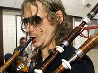 Steve Pierce playing the bagpipes