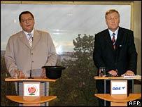 Prime Minister and Social Democrat leader Jiri Paroubek (left) and Miroslav Topolanek, head of opposition Civic Democrats