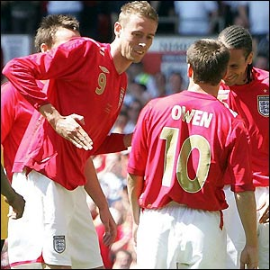 Peter Crouch thrills the crowd with his trademark celebration