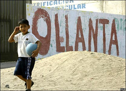 Electoral propaganda graffiti promoting Ollanta Humala