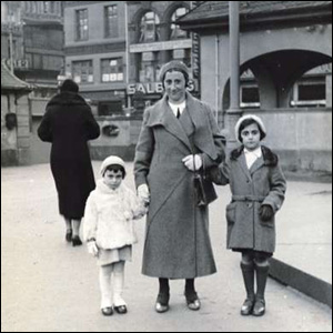 Anne and Margot Frank in Frankfurt