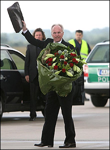 Sven-Goran Eriksson arrives in Germany