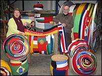 Unna's massive scarf on display (pic: Unna town website)